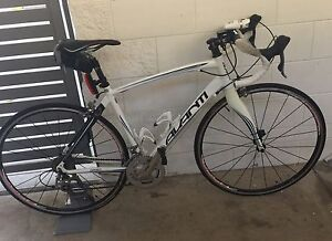 Avanti Giro road bike RRP $2350 Annandale Townsville City Preview