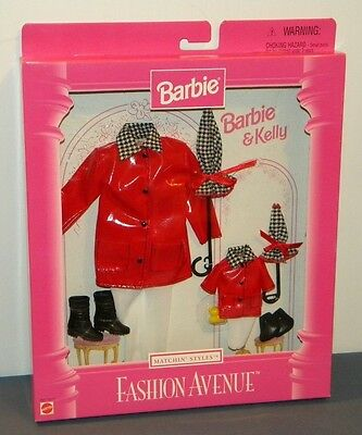 Barbie & Kelly Fashion Avenue Matchin Styles Outfit 1997 #18114 NIB Red Raincoat
