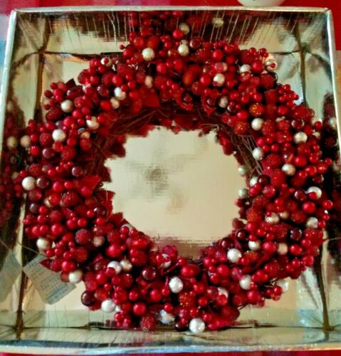 """White Barn Candle The Perfect Christmas Centerpiece Silver Cranberry 12"""" Wreath"""
