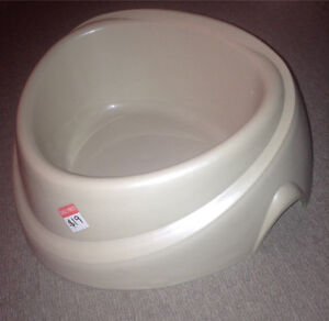 NEW LARGE DOG WATER BOWL Devonport Devonport Area Preview