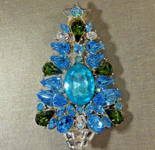 VTG CHRISTMAS TREE UNUSUAL BLUE AQUA & GREEN RHINESTONE STAR TOPPED BROOCH PIN