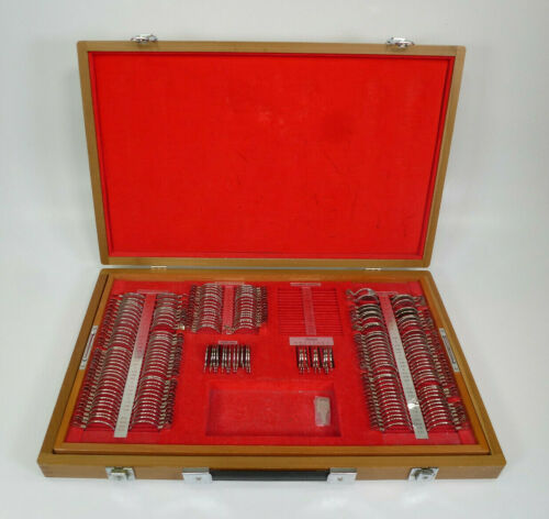 Vintage Woodlyn Trial Lens Set w/ 194 Lenses & Wooden Box