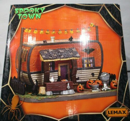 LEMAX HALLOWEEN SPOOKY TOWN _ Creepy Camper #75186 ...Lighted