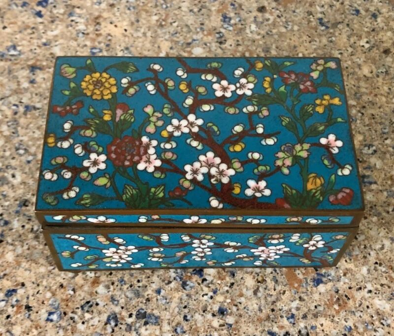 Antique Chinese Cloisonne Box With Floral Design