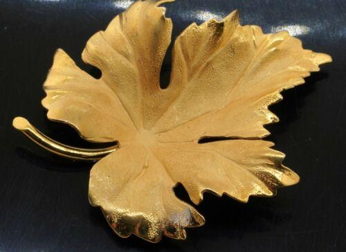 Tiffany & Co. vintage 14K yellow gold high fashion leaf brooch