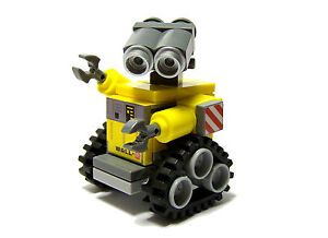 NEW-Cute-LEGO-Disney-Pixar-Wall-E-Robot-Character-40-Total-pieces