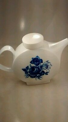 Rare hand painted Melitta Germany white tea pot