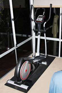 Eliptical/ Cross Trainer CTR 2000 (Renouf ) Perfect Condition