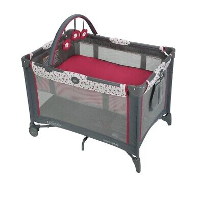 Graco Pack N Play Playard on The Go with bassinet amory new in box