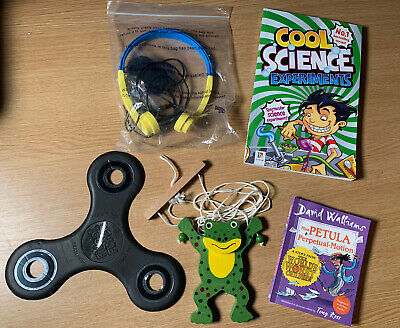 Children Kids Toy Books Bundle 5x Science Fidget Flyer Headphone joblot