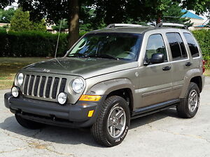 jeep liberty renegade 4wd 4x4 low miles ebay. Cars Review. Best American Auto & Cars Review