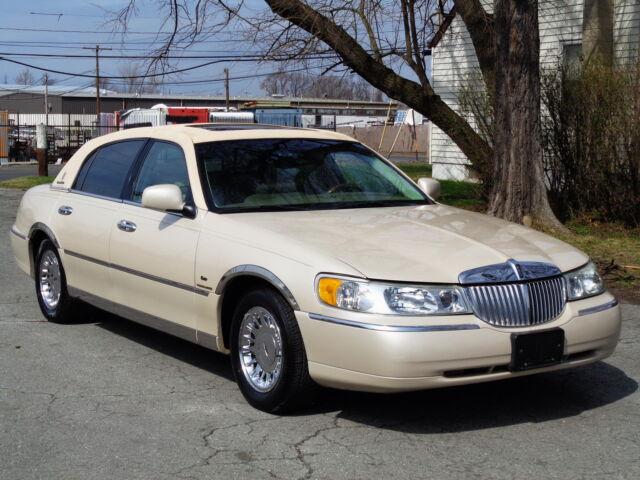 Imagen 1 de Lincoln Town Car 4.6L…