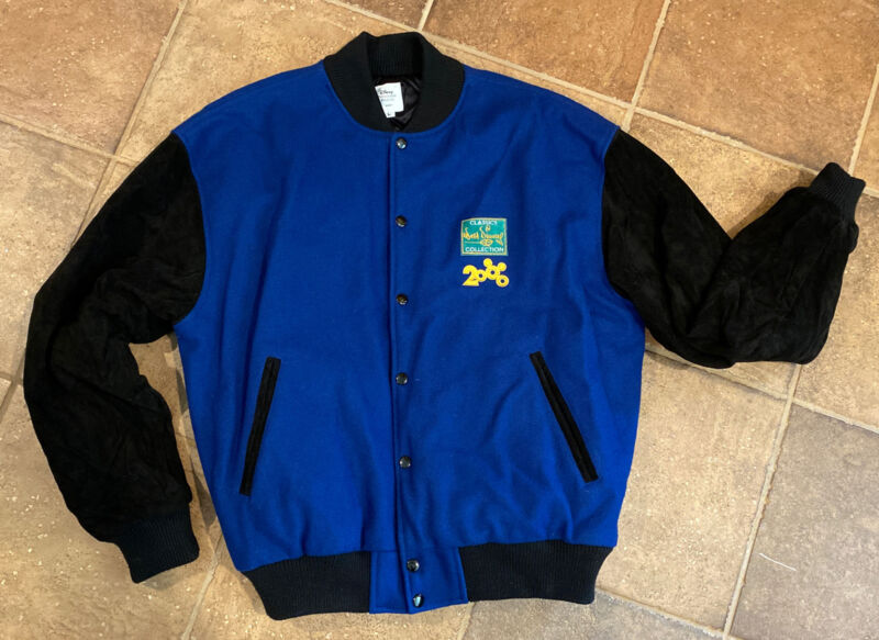 DISNEY Millenium Mickey Walt Disney Classics Collection 2000 Cast member jacket