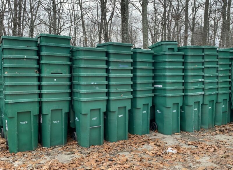 Cascade 96 and 64 Gallon Trash Carts 4,500-5,000 Available