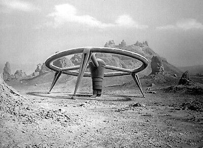 """1966's LOST IN SPACE """"The Keeper"""" landed spaceship b/w 8x10 scene"""