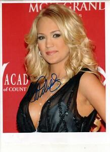 Carrie Underwood Autograph