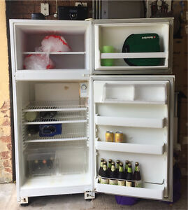 KELVINATOR C350D Family Fridge Freezer Springfield Gosford Area Preview
