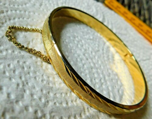 """Gold Tn Hinge Bangle Bracelet Safety Chain Etched About 1/4"""" W"""