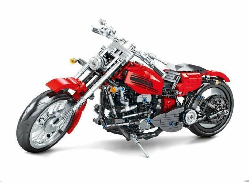 Sembo: Großes Motorrad in rot / Modell aus über 780 Steinen NEU in Hannover