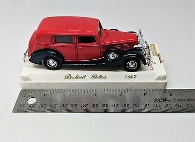 Solido - Red Packard Sedan - 1:43 Scale - #4047
