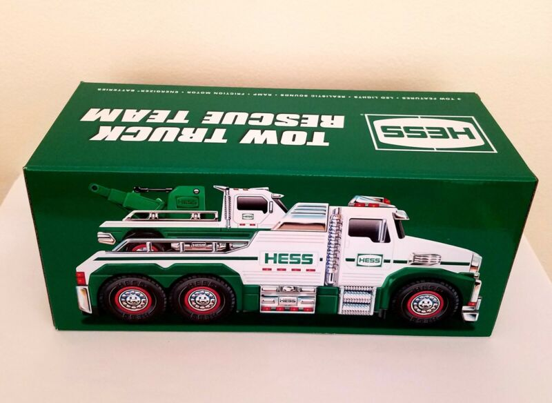 Incredibly Realistic Hess 2019 White Toy Tow Truck Rescue Team New Gift Toy