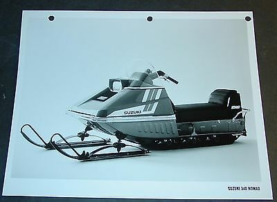 1974 SUZUKI SNOWMOBILE 340 NOMAD FACTORY SALES PHOTO BROCHURE  (526)