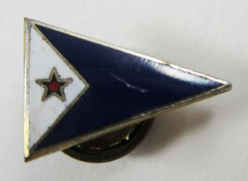 Vintage Beverly Yacht Club Pennant Burgee Enamel Lapel Hat Pin Sailing Marion MA
