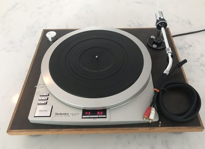 Technics SP-15 Direct Drive Turntable in Very Good Condition