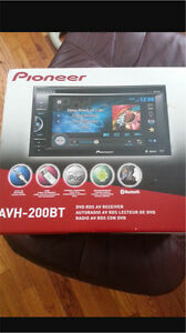 ^** PIONEER BLUETOOTH TOUCH SCREEN DVD DECK!! WITH MIC