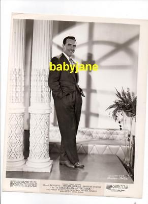 PRESTON FOSTER VINTAGE 8X10 PHOTO HANDSOME FULL LENGTH PORTRAIT 1941