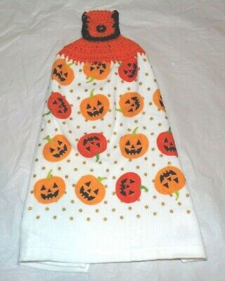 XL PLUSH KITCHEN/HAND TOWEL W/CROCHETED TOP FOR HANGING/HALLOWEEN PUMPKINS