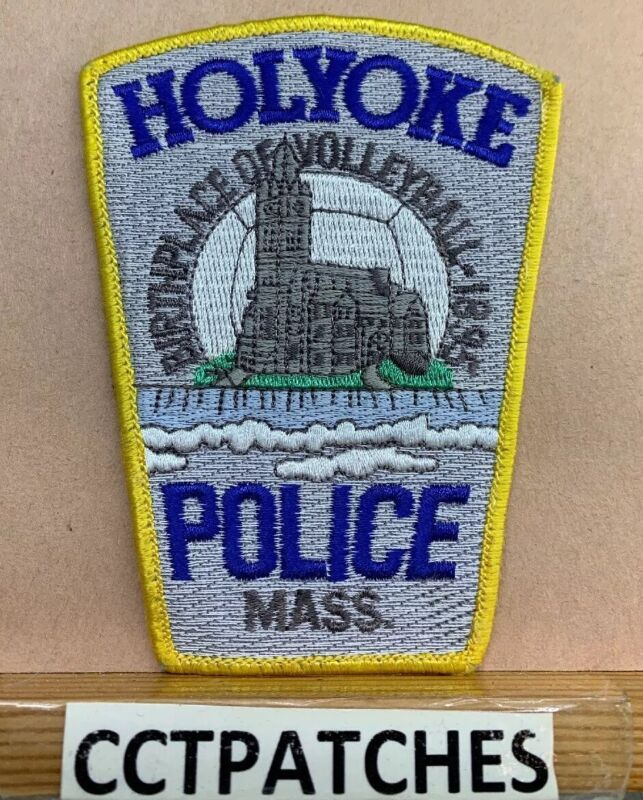 HOLYOKE, MASSACHUSETTS POLICE SHOULDER PATCH MA