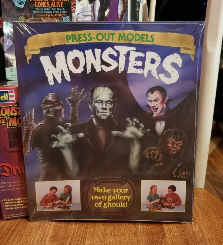 Vintage Universal Monsters Book Model MiSB 1993 Frankenstein Dracula Mummy