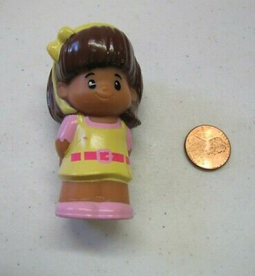 Fisher Price Little People MIA YELLOW JUMPER DRESS Hispanic Girl Bow Pink Shoes