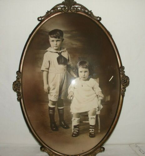 Large Antique Vtg Gold Brass Metal Convex Bubble Glass Ornate Oval Picture Frame