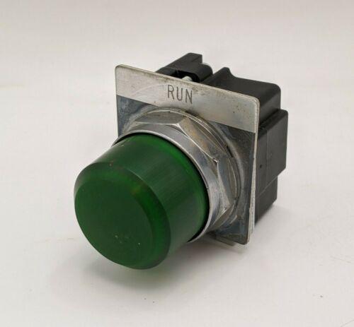 "Cutler Hammer 10250T/91000T Pilot Light Green Panel Indicator Lamp ""Run"" 120VAC"