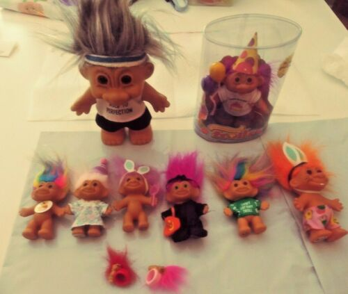 Package Deal-LOT OF VINTAGE TROLLS BY RUSS WITH FUN TROLL FABRIC PIECES