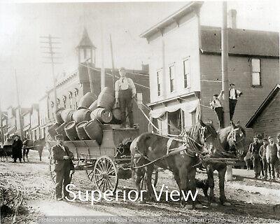 Vintage Brewery Horse Wagon Beer Barrels Leisen & Henes Brewing Co. Menominee MI