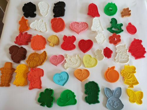 Vtg LOT OF 41 HALLMARK COOKIE CUTTERS Plastic ALL HOLIDAYS Halloween Fall Etc