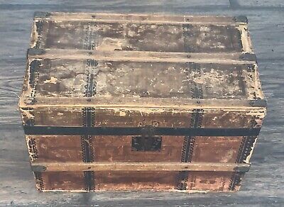 1800 1899 Antique Small Trunk Vatican