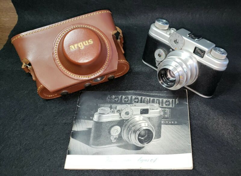 Argus C-Four C-4 C4 35mm Camera With Leather Case VINTAGE