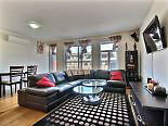 Bright quiet modern 2010 Condo, 15 min from Down town Montreal