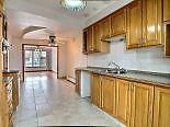 7 et 1/2--Bas/duplex avec sous sol /grand salon et garage double