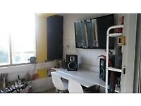 ******OFFICE / MUSIC STUDIO (partially soundproofed)/ 5 MINS BETHNAL GREEN / 24hr/£500PM ALL IN*****