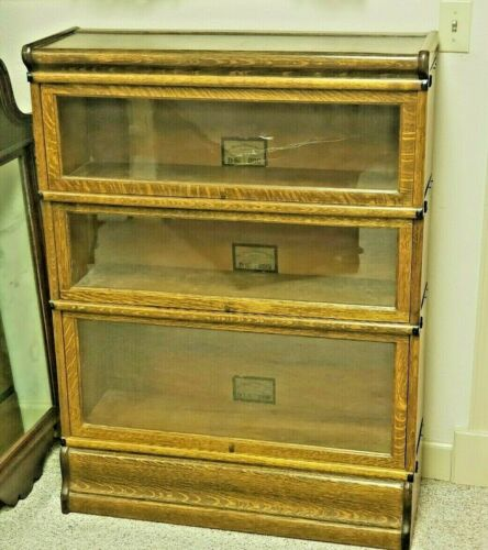 Antique Globe Wernicke bookcase D-299