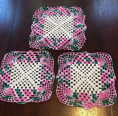 Stunning vtg. Set of 3 crocheted doilies w/ variegated pink/green square shaped