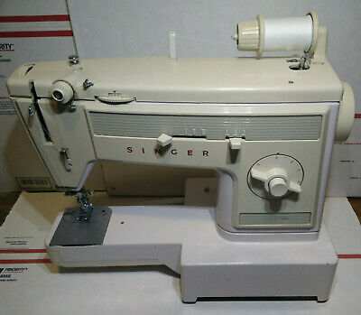Lovely SINGER 1022 free-arm Model Full zig-zag Sewing Machine Model 1022 Vintage