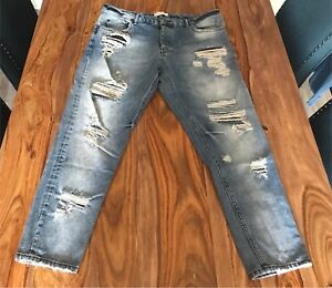Zara jeans Slim Fit size 36 pour homme, comme neuf.