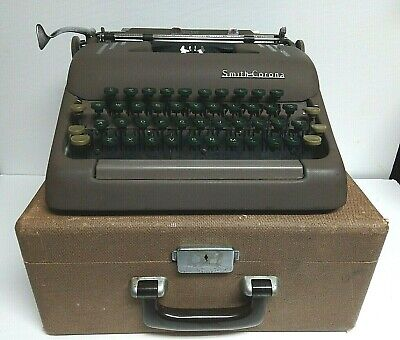 Vtg Smith Corona Silent Manual Portable Typewriter W Carrying Case Green Keys