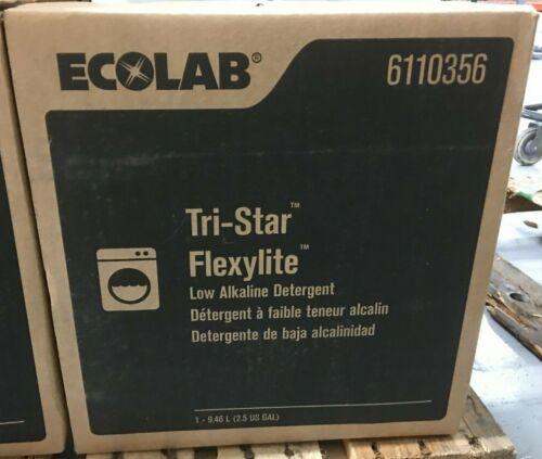 ECOLAB 6110356 Tri-Star Flexylite Laundry Detergent Plus - 2.5 Gallons